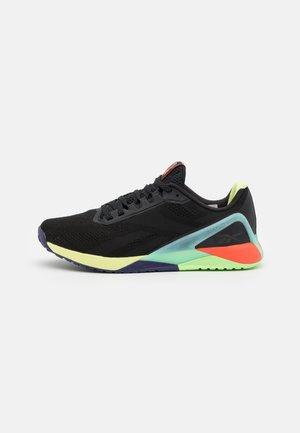 NANO X1 LES MILLS FLOATRIDE ENERGY FOAM TRAINING WORKOUT - Zapatillas de entrenamiento - black/night black/digital glow
