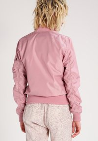 Alpha Industries - Bomber Jacket - silver pink - 2