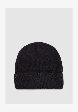 Muts - black knit