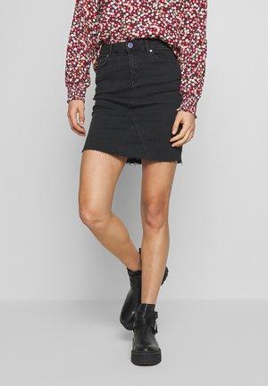 ONLFAN SKIRT RAW EDGE - Denim skirt - black