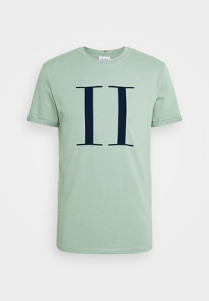 ENCORE  - Print T-shirt - iceberg green/navy blue