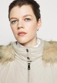 Lauren Ralph Lauren - HAND COAT HOOD - Down coat - moda cream - 5