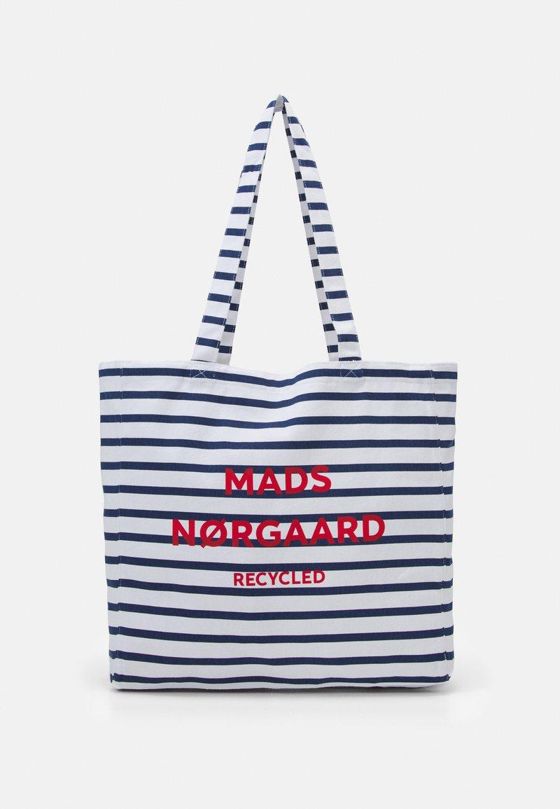 Mads Nørgaard - PRINT BOUTIQUE ATHENE - Shoppingväska - off white/navy