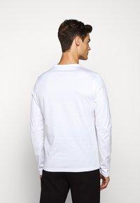 Belstaff - LONG SLEEVED  - Long sleeved top - white - 2