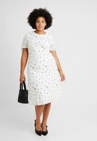 Fashion Union Plus - FASHION UNION MIDI DRESS WITH SLEEVE TIES - Day dress - white - 1