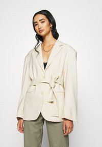 Monki - GABI - Manteau court - light beige - 0