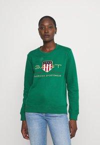 GANT - ARCHIVE SHIELD - Sweatshirt - ivy green - 1