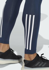 adidas Performance - TECHFIT 3-STRIPES LONG TIGHTS - Collants - blue - 4