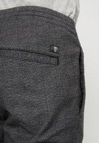 TOM TAILOR DENIM - JOGGER - Trousers - grey - 3