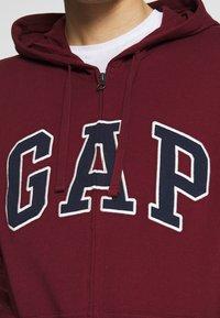 GAP - ARCH - Zip-up hoodie - shiraz - 5