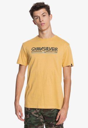 LIKE GOLD - Print T-shirt - rattan