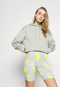 Nike Sportswear - Shorts - barely green - 3