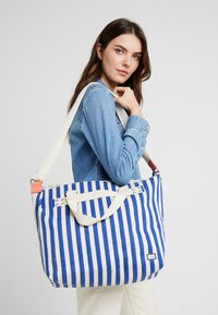 Esprit - TINA TOTE BAG - Shopping bags - bright blue - 1