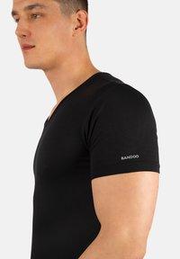 Bandoo Underwear - 2PACK - Undershirt - black,black - 2