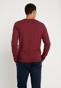 Tommy Hilfiger - LONG SLEEVE TEE - Long sleeved top - red - 2