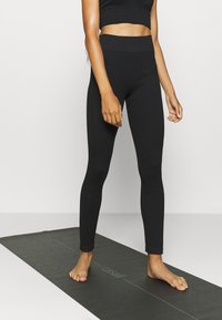 South Beach - SEAMLESS HIGH WAIST - Medias - black - 0