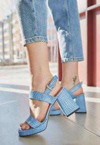 L37 - LOSE MYSELF - Sandals - blue - 4