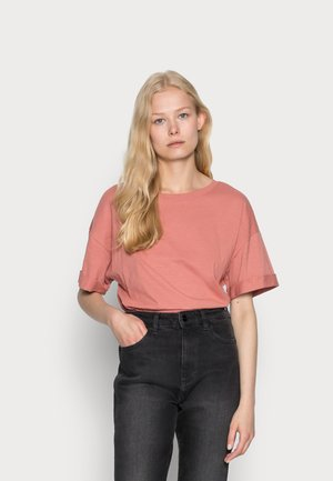 ICONIC - T-shirts - coral