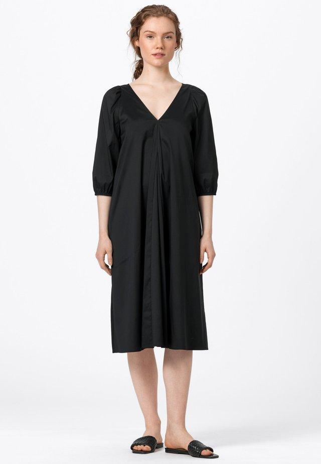 MIT BALLONÄRMELN - Korte jurk - schwarz