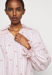 Victoria Victoria Beckham - LIPS PRAIRIE DRESS - Day dress - pink - 3