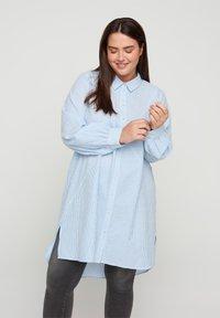 Zizzi - Button-down blouse - skyway stripe - 0