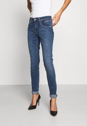 ADRIANA - Jeans Skinny Fit - mid brushed denim