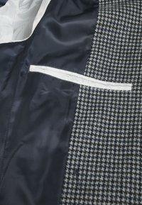 Matinique - Klassinen takki - dark grey melange - 5