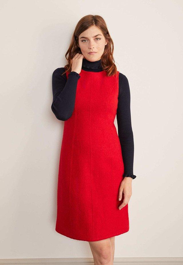 Day dress - weihnachtssternrot