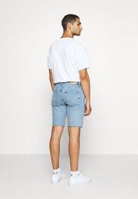 Weekday - SUNDAY  - Jeans Short / cowboy shorts - pen blue - 2