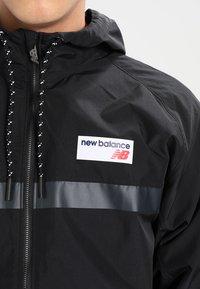 New Balance - ATHLETICS - Summer jacket - black - 3