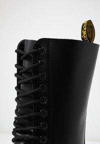 Dr. Martens - 1914 - Šněrovací vysoké boty - black smooth - 2