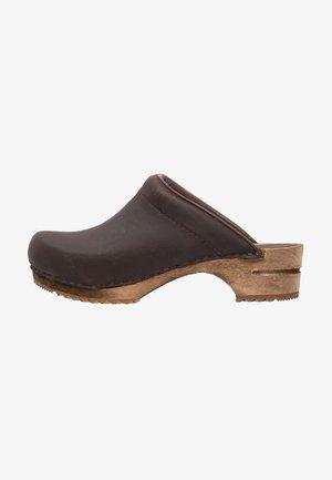 CHRISSY OPEN - Clogs - antique brown
