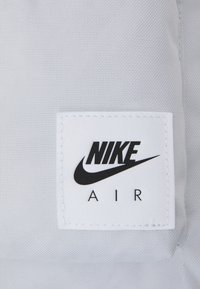 Nike Sportswear - HERITAGE UNISEX - Rucksack - photon dust/black - 3