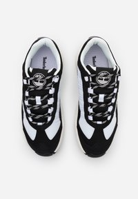 Timberland - RIPCORD SNEAKER LOW - Sneakers - black/white - 3