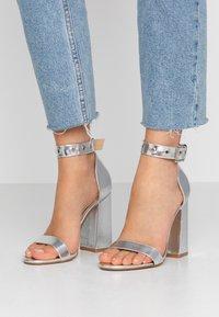 RAID - NARISSA - Sandály na vysokém podpatku - silver - 0