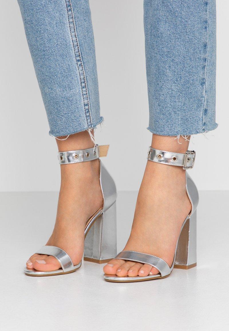 RAID - NARISSA - Sandály na vysokém podpatku - silver