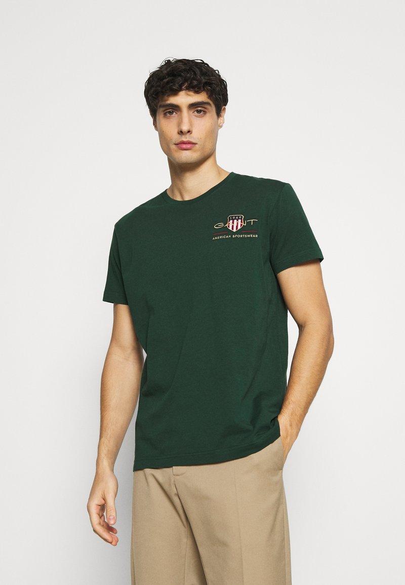 GANT - ARCHIVE SHIELD - T-shirt med print - tartan green