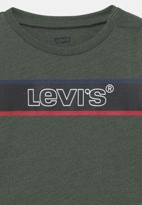 Levi's® - LONGSLEEVEGRAPHICTEE - Longsleeve - thyme heather - 2