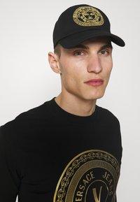 Versace - MEDUSA UNISEX - Caps - black - 0