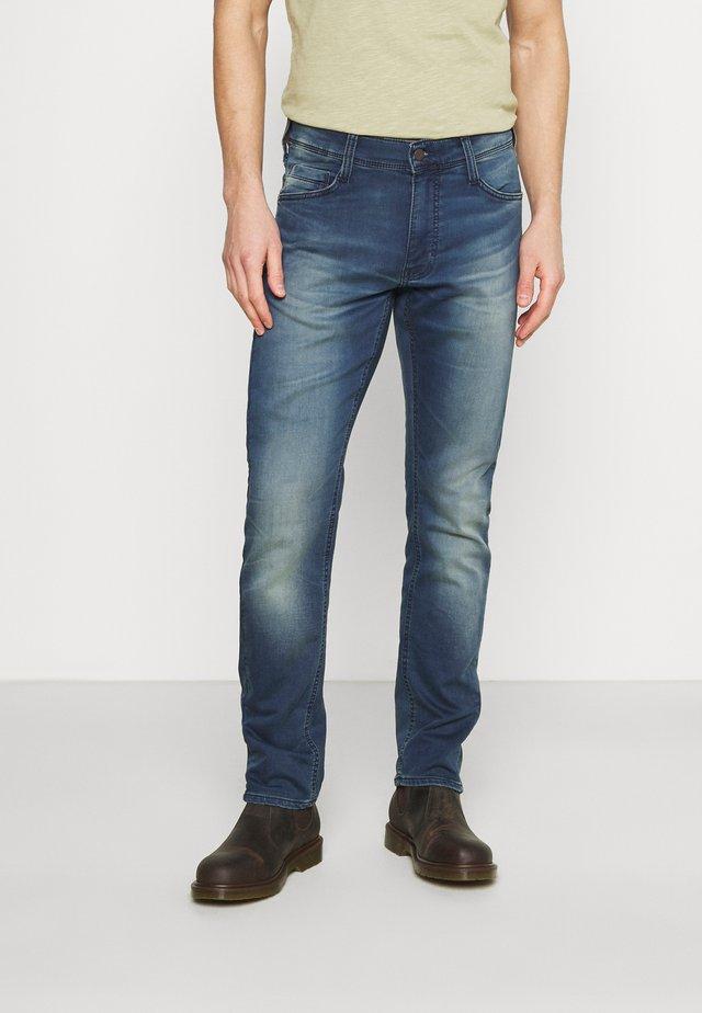OREGON - Straight leg -farkut - denim blue