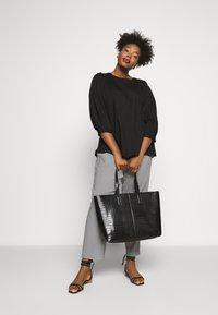 Gina Tricot - ISABELLE  - Shopping bag - black - 0
