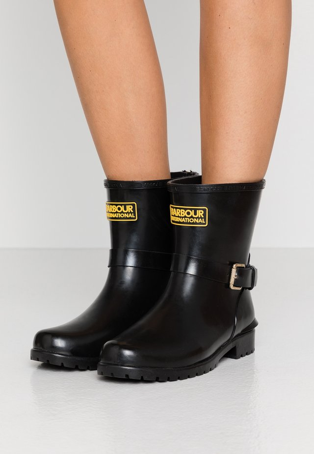 MUGELLO - Wellies - black