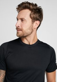 adidas Performance - FREELIFT SPORT ULTIMATE SPORT T-SHIRT - Camiseta de deporte - black - 3