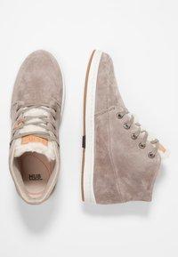 HUB - SUBWAY - Sneakers high - dark taupe/bone - 3