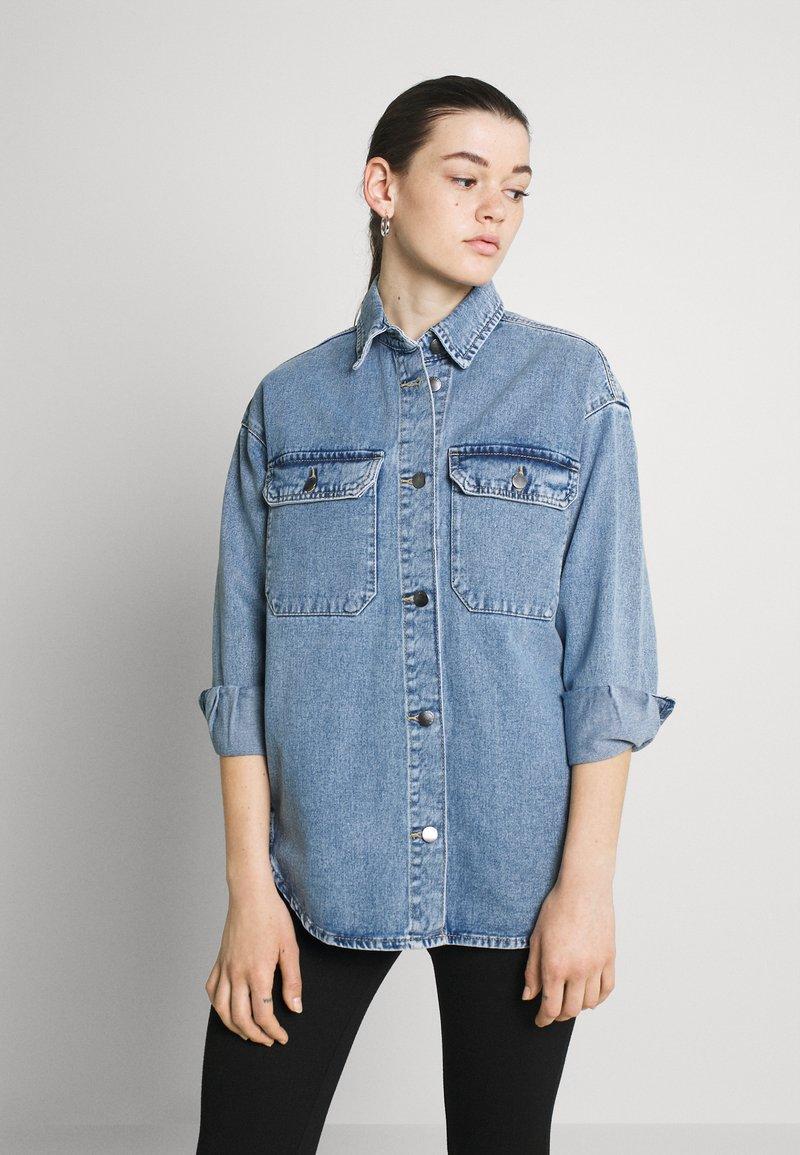 JDY - JDYBAILEY LIFE  - Short coat - light blue denim