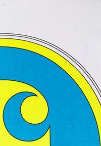 Carhartt WIP - TEST - Printtipaita - white - 2