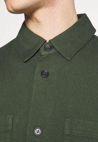 ARKET - Košile - green dark - 5