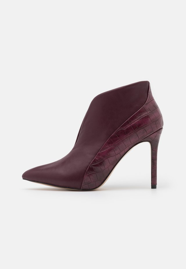 PATCH - High heeled ankle boots - bordeaux