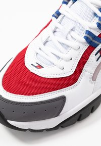 Tommy Jeans - ICON 7.0 KENDRICK - LIMITED EDITION - Sneakers - white - 5