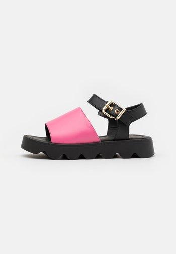 Sandals - pink